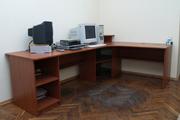Продаю стол угловой офисный