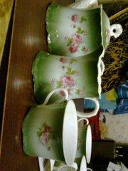 Старинный чайный сервиз